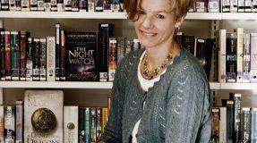 Marianne Selvik er biblioteksjef på Ås bibliotek. Hun bruker BIB-Control for å utnytte budsjettet best mulig og gi bedre bibliotektjenester til innbyggerne i kommunen.