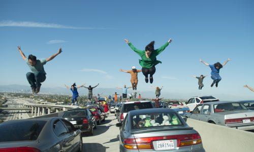 Åpningsscenen i «La La Land» er en leken hyllest i sterke farger til dansefilmen og englenes by. Utover i filmen får drømmene og ambisjonene flere nyanser.
