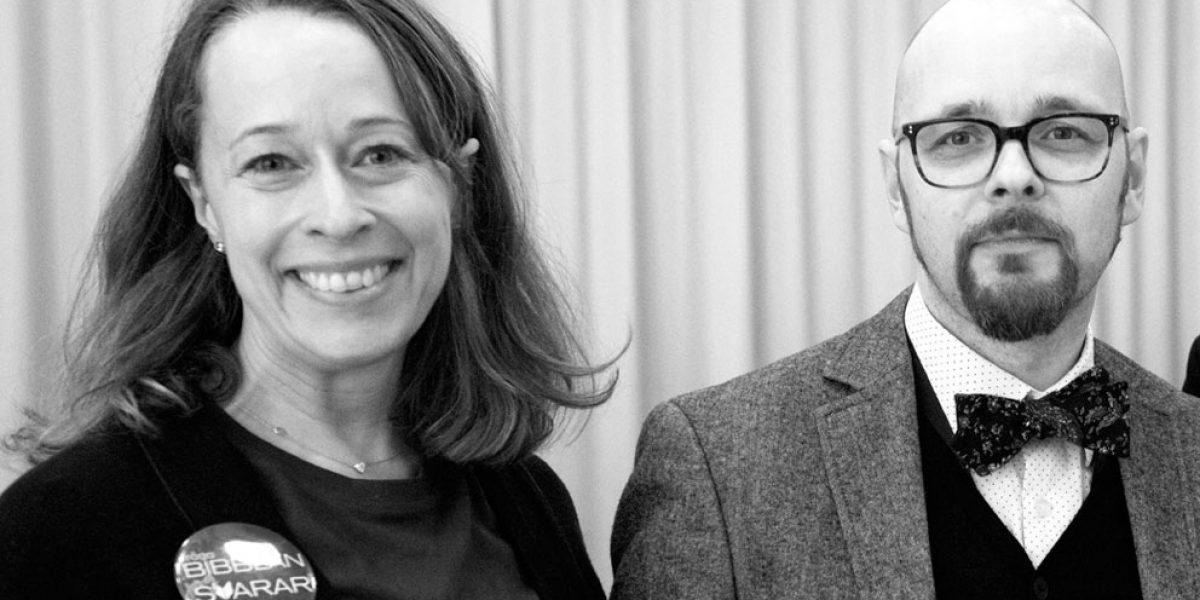 Nanna Ekman, prosjektleder, og Daniel Björklund, daglig leder i Bibblan svarar, jobber som bibliotekarer i Malmö Stadsbibliotek.