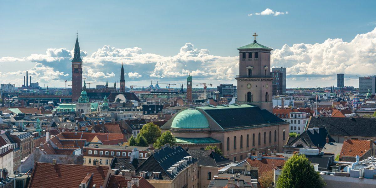 Podcasten «Bag om København» med historie som tema har 17–18.000 nedlastinger i snitt per episode og når lyttere over hele verden, ikke bare i den danske hovedstaden.